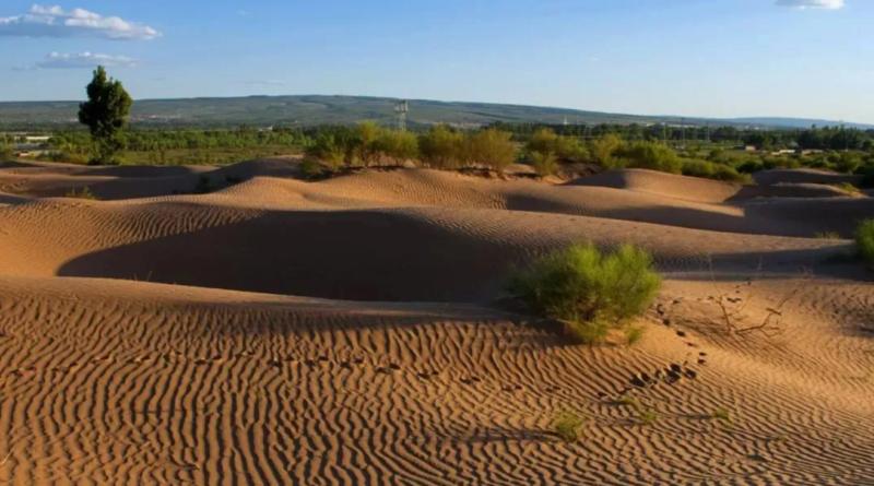 ทะเลทรายเหมาอูซู่